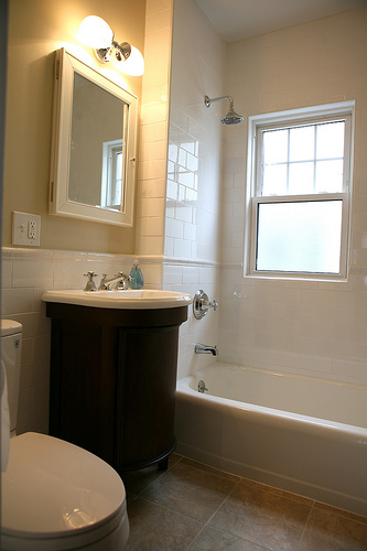 Small bathroom remodeling tips - Renovating a bathroom what to do first ...