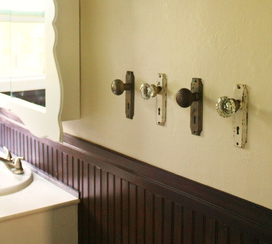 DIY Home Decor: New Use for Old Doorknobs