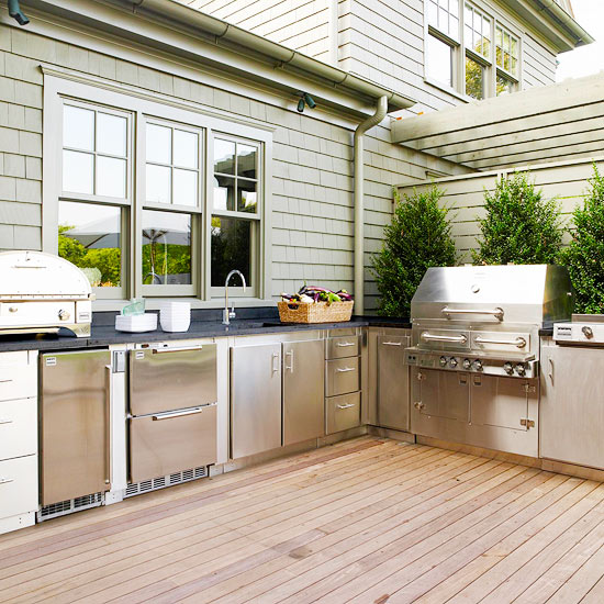 7 Nail-Biting Outdoor Living Design Ideas to Steal for a First Home
