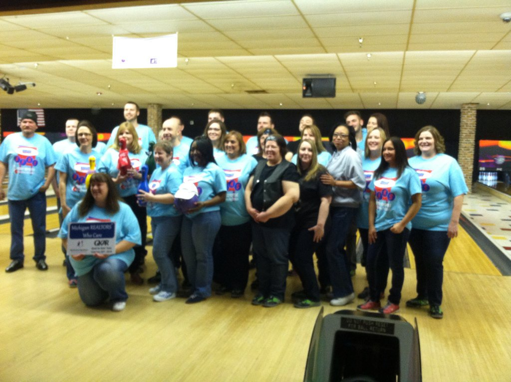 bowl-for-kids-sake-AmeriFirst-team.jpg