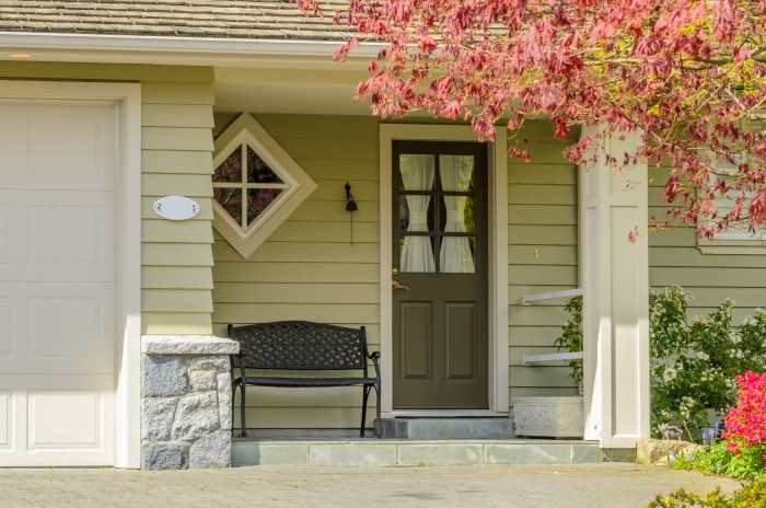 exterior home staging tips to boost your home s curb appeal. Black Bedroom Furniture Sets. Home Design Ideas