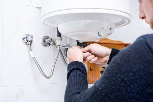 How to Troubleshoot Electric Water Heater Problems Fuse Box Tripped And Won T Go Back On on